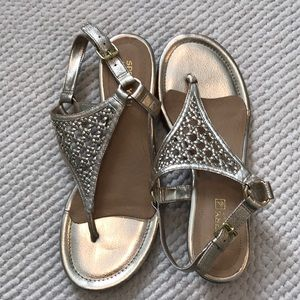 Sperry gold sandals